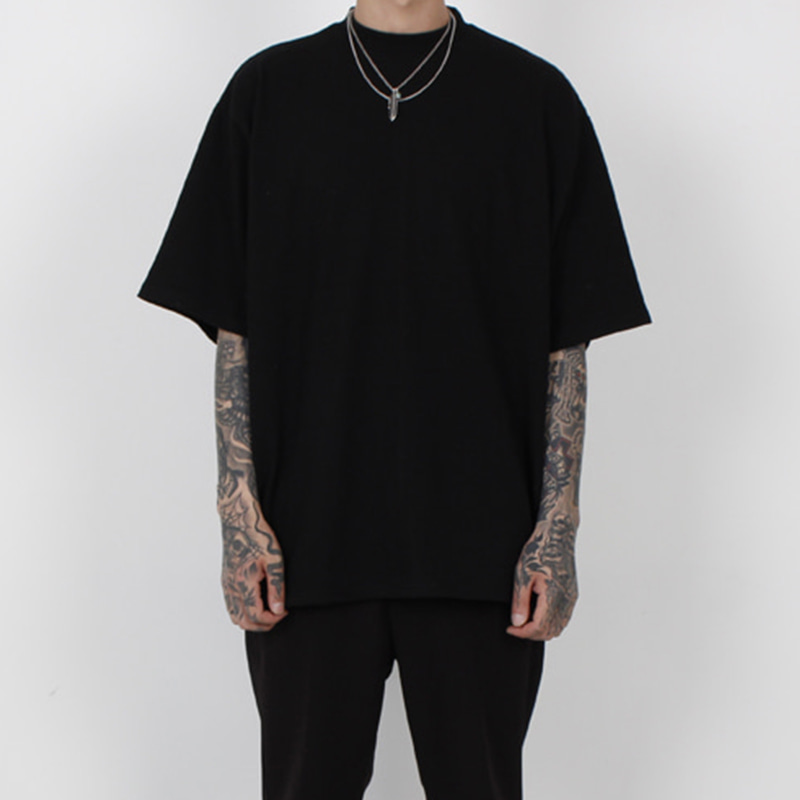 [BURJ SURTR] BASIC BOX T-SHIRT (BLACK)