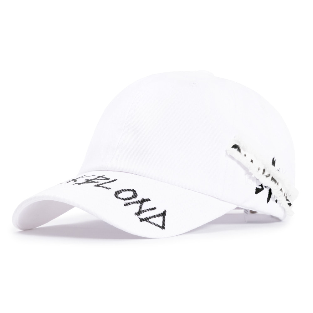 [BLACKBLOND] BBD SIDE PATCH GRAFFITI LOGO CAP (WHITE)