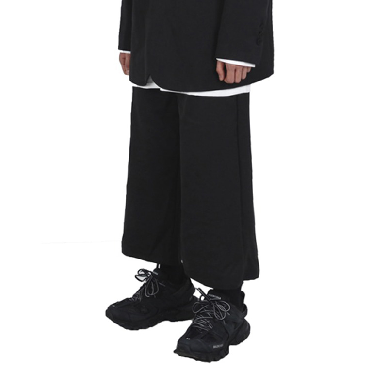 WIDE CROP SLACKS (BLACK)