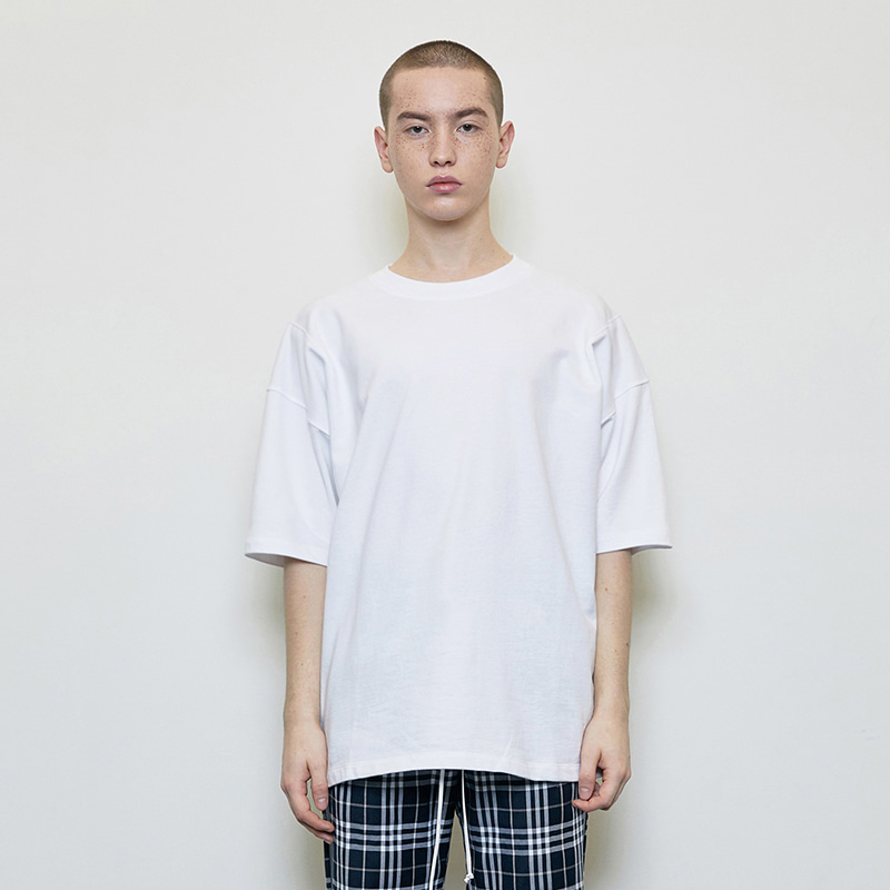 OVERSIZED BASIC T-SHIRT (WHITE)