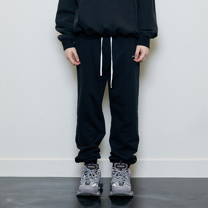 LOGO JOGGER PANTS (BLACK)