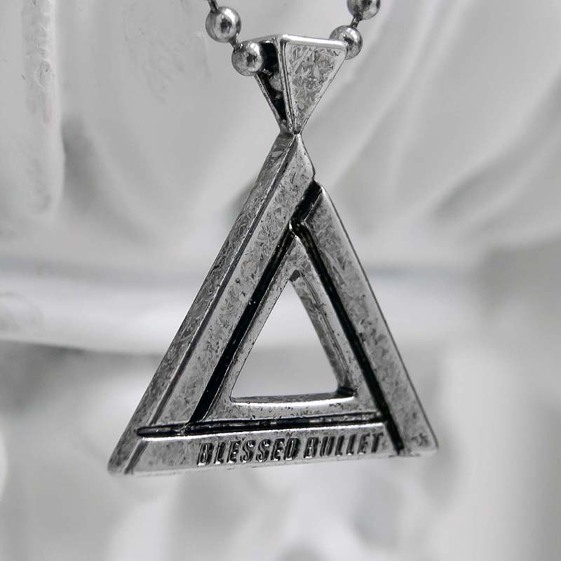 TRIANGLE III NECKLACE