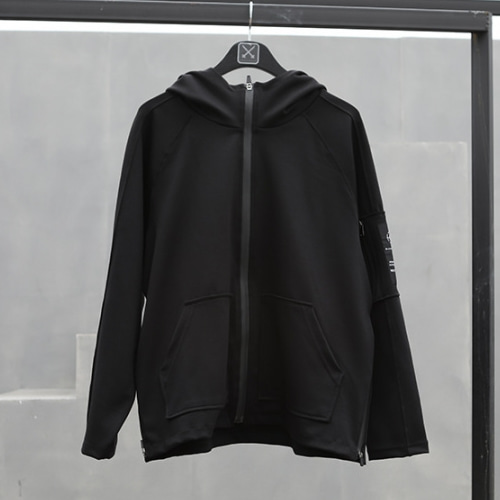 TECHNICAL POCKET RAGLAN HOOD ZIP UP BLACK