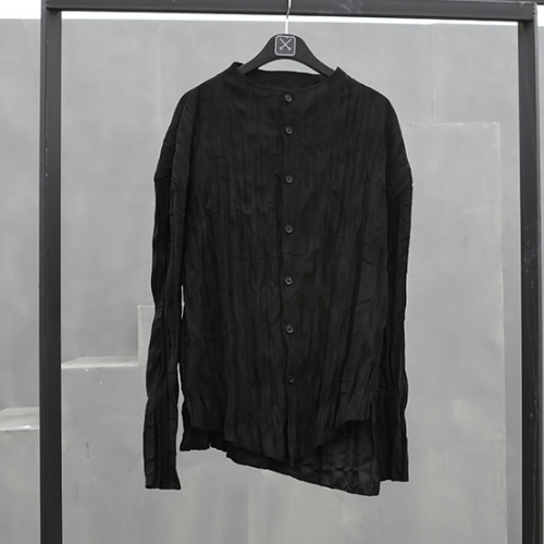 CREASE NO-COLLAR SHIRT BLACK/DESERT