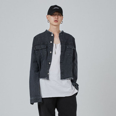 [INNOVANT] BLACK WASHED CROP JACKET (DENIM)